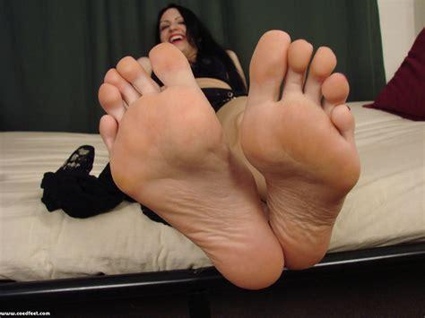 Toes porn popular videos page 1 jpg 1024x768