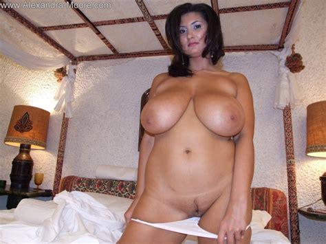 Alexandra moores pussy jpg 800x600
