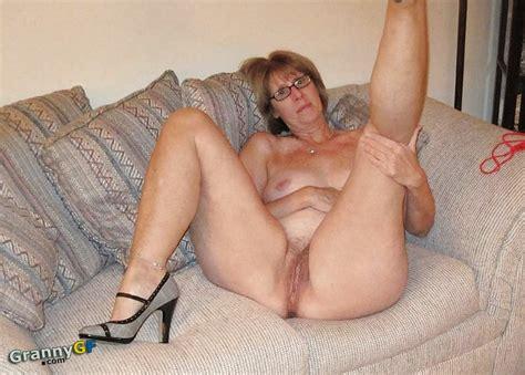 grannies showing pussy jpg 1000x716